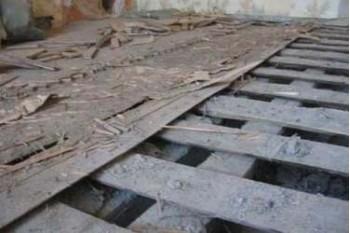 Демонтаж деревянного пола на лагах - цена и особенности работ