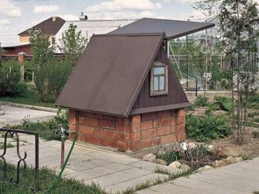 с покрашенной крышей